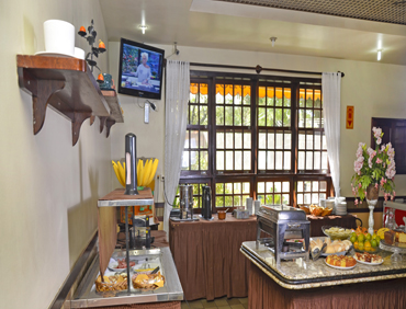 Café da Manhã -  Hotel Colonial - Santanésia - Barra do Piraí